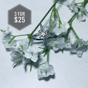 Jewelry - 🌼3 for $25🌼 Silver cross ring